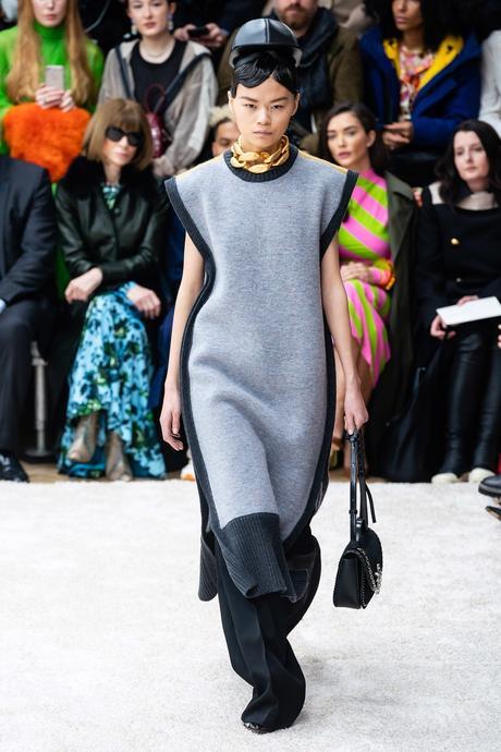 JW Anderson fait rimer excentricité et sensualité   Fashion