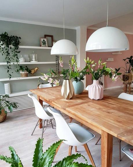 décoration vert céladon table à manger rose vert bois plante - blog déco - clem around the corner