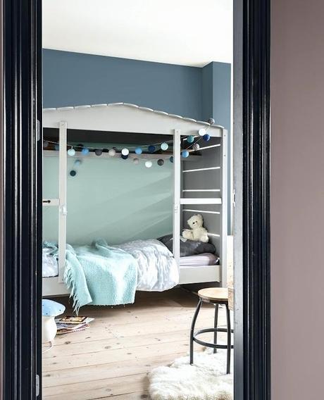 décoration vert céladon chambre enfant mezzanine nuance gris vert - blog déco - clem around the corner