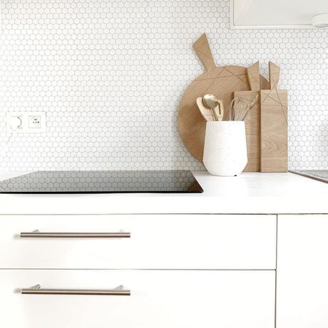 pierre papier ciseaux cuisine minimaliste hygge blanc bois - blog déco - clem around the corner