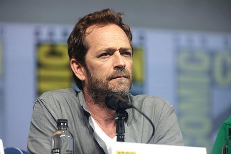 CARNET NOIR : Luke Perry, la star de Beverly Hills 90210 et de Riverdale, est décédé