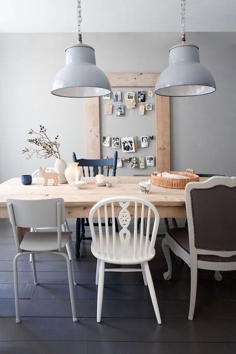 assortir des chaises dépareillées vieux hygge bleu scandinave blog déco clem around the corner