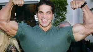 Transformation de Lou Ferrigno en Hulk