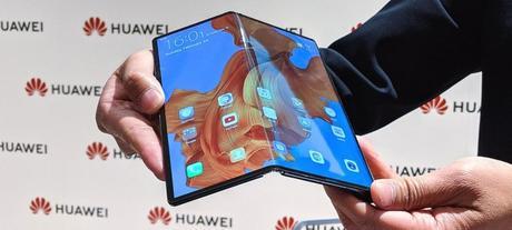 Les  téléphones à écran pliable arrivent, prêts à révolutionner un marché maintenant  saturé…