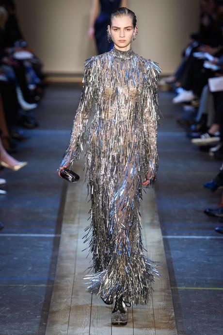 Alexander McQueen : 3 looks repérés sur le défilé automne-hiver 2019/2020