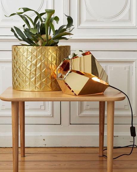 tendance néo art déco laiton cache pot doré salon décoration - blog déco - clem around the corner