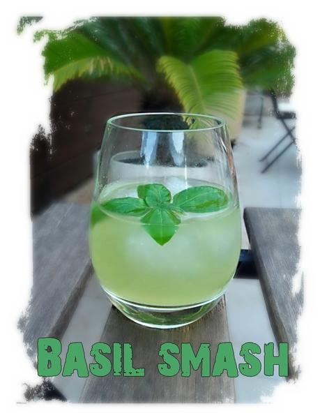 Basil Smash ( cocktail rhum-basilic)