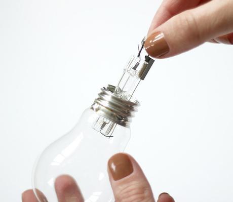 idée déco récup ampoule transparente fiole - blog déco - clem around the corner
