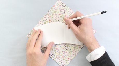 idée déco récup diy carton feuille stylo - blog déco - clem around the corner