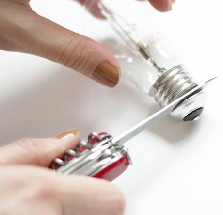 idée déco récup cutter ampoule rouge - blog déco - clem around the corner