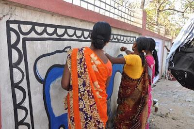 la peinture tribale et les femmes de Hazaribagh