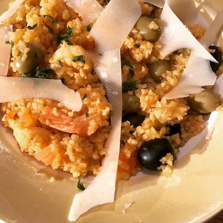 poêlée de boulgour aux olives et crevettes