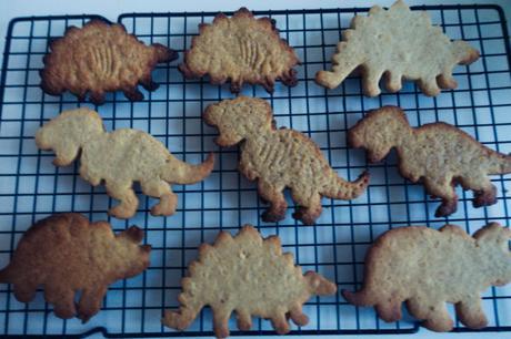 Biscuits dinosaurus faits maison