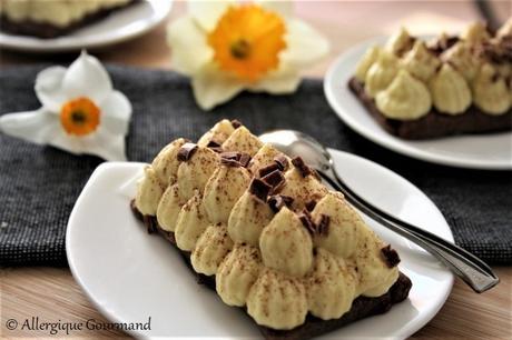 Tartelettes mousse coco-mangue sur pâte au cacao { sans gluten, sans lait, sans œufs}