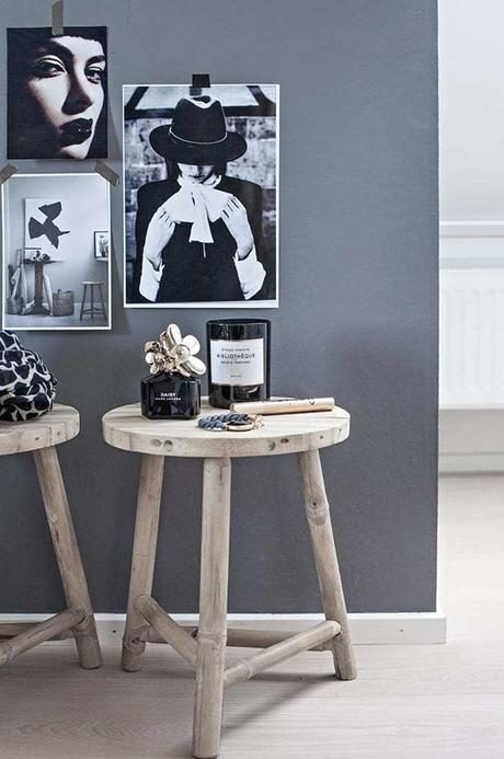 astuces studio étudiant tabouret rond bois-salon tableaux - blog déco - clem around the corner