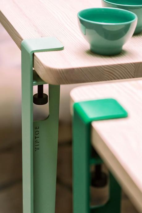 astuces studio étudiant pieds table métallique vert - blog déco - clem around the corner