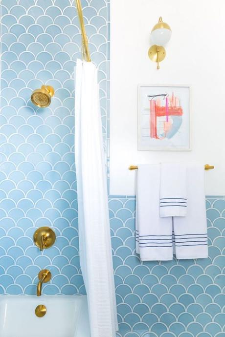 carrelage écaille de poisson salle de bain