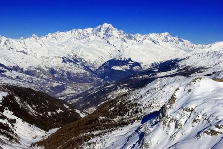 La vallée de la Tarentaise et le mont Blanc vus de la Roche de Mio © French Moments