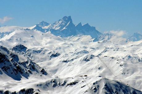 Les Aiguilles d'Arves vues de la Grande Rochette © French Moments