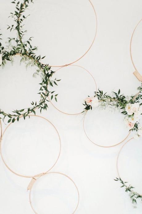 déco murale mariage romantique fleurs tambour à broder