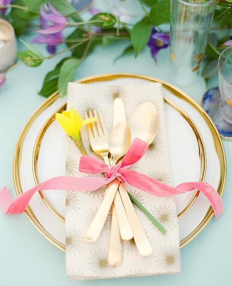 table de pâques déco couleurs fleurs printemps - blog déco - clem around the corner