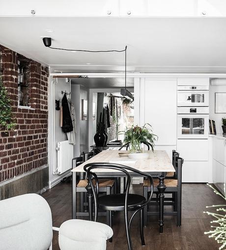 loft suédois cuisine table bois - blog déco - clem around the corner