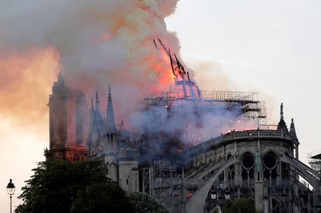 aguja-central-notre-dame-catedral-incendio.jpg.pagespeed.ce.NX_MiHsZFw