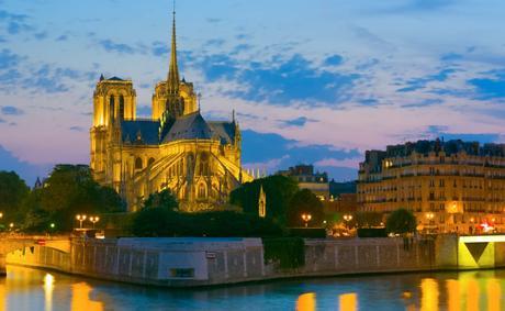 Notre_dame_de_paris_by_night