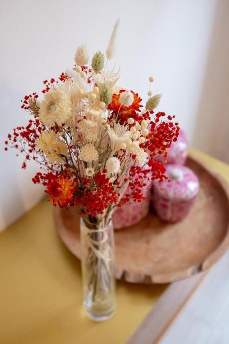 bouquet original composition florale colorée décoration végétale
