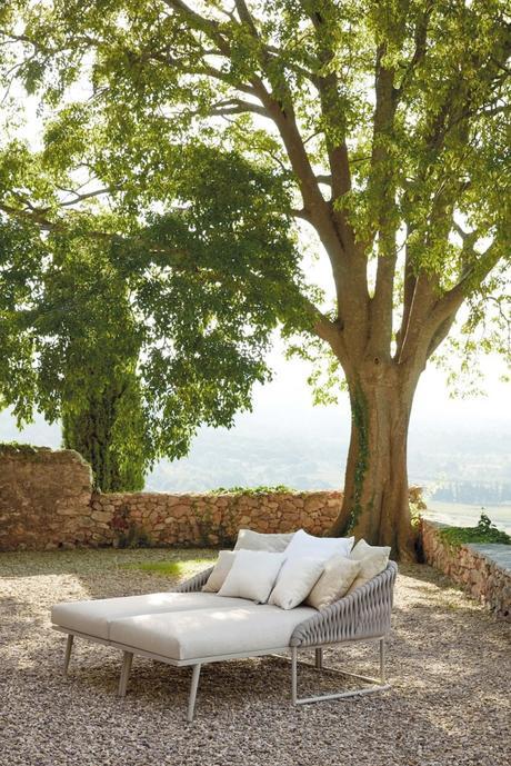 lit double extérieur coussins terrasse meuble outdoor