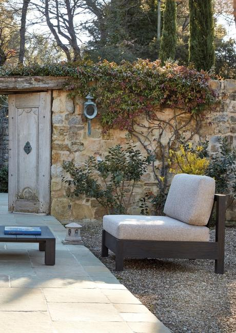 sifas entrée villa jardin mur bucolique ambiance champetre - blog déco - clem around the corner