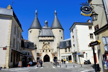 La porte de la Craffe en vieille-ville de Nancy © French Moments