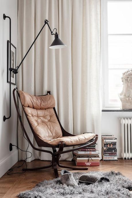 ambiance rustique chambre canapé marron cuir - blog déco - clem around the corner