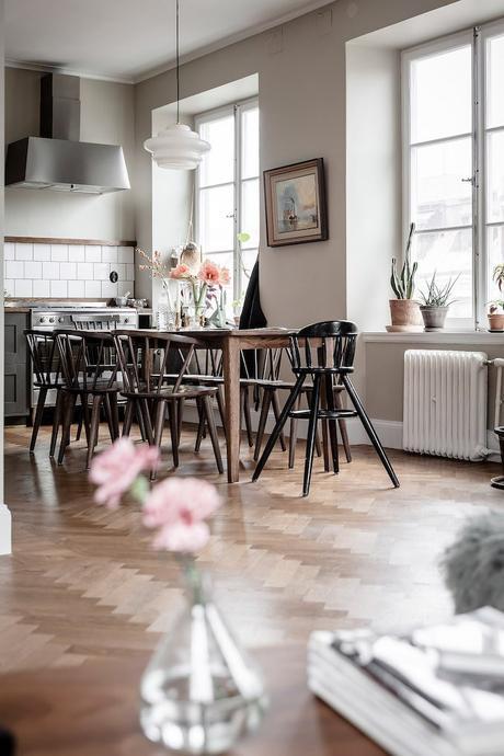 ambiance rustique cuisine table chaise bois - blog déco - clem around the corner