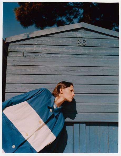 Amber Witcomb par Marcin Kempski