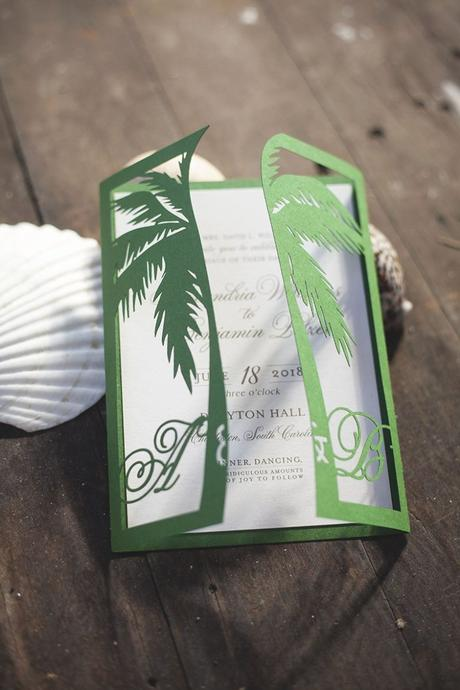 clemaroundthecorner faire part papier carton vert blanc palmier mariage été