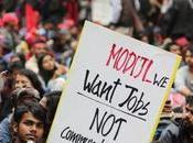 Inde: travailleurs désespérés jeunes touchés crise l'emploi