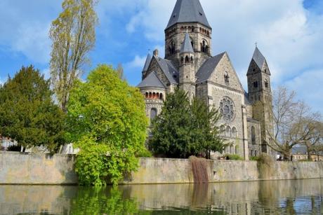 Croisière en bateau solaire sur la Moselle à Metz © French Moments