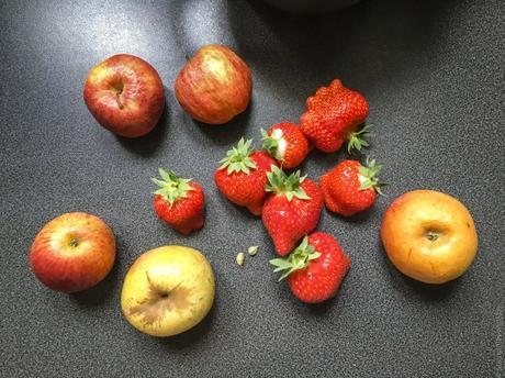 Petit plaisir ! – Compote fraises, pommes et cardamome