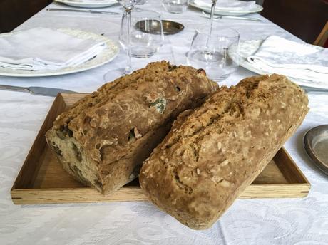 Pain (suite) – Soda Bread aux olives et aux noisettes