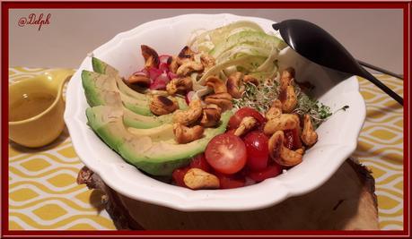 Taboulé de chou-fleur aux légumes et noix de cajou.