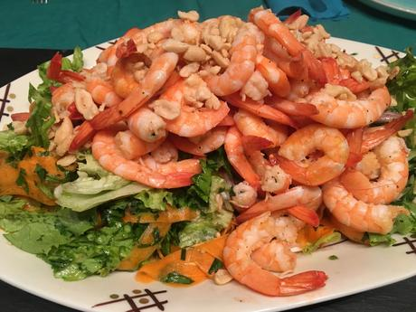 Salade Thaï aux crevettes et aux cacahuètes