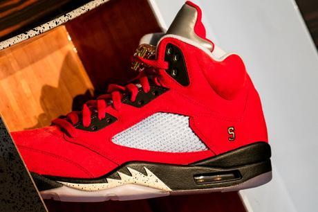 Les Air Jordan 5 Trophy Room sont un hommage à la carrière de Michael Jordan
