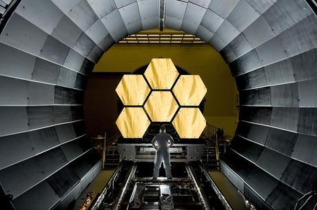 TELESCOPE SPATIAL...