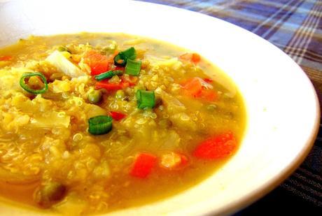 Soupe aux lentilles, quinoa et chou