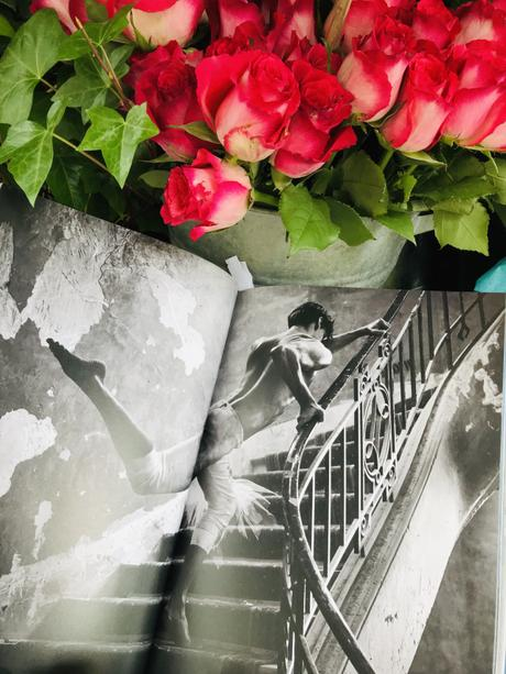 (Beau Livre) Danse, la photographe Sylvie Lancrenon à la chasse de la grâce