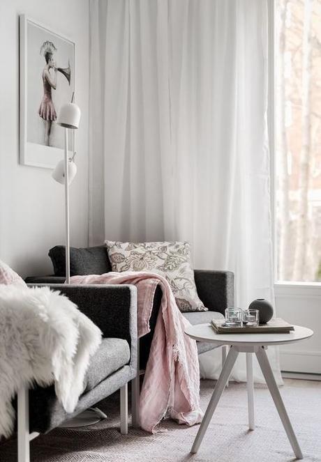 déco gris rose salon scandinave fauteuil - blog déco - clem around the corner