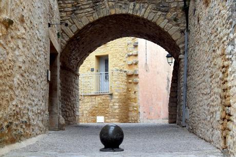 Crillon-le-Brave © French Moments