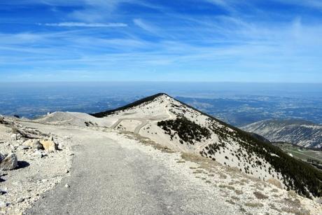 Au sommet du Mont Ventoux © French Moments
