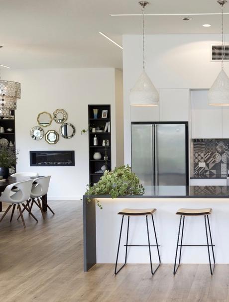 cuisine tendance matériaux écoresponsable sol parquet bois design chaise haute - blog déco - clematc